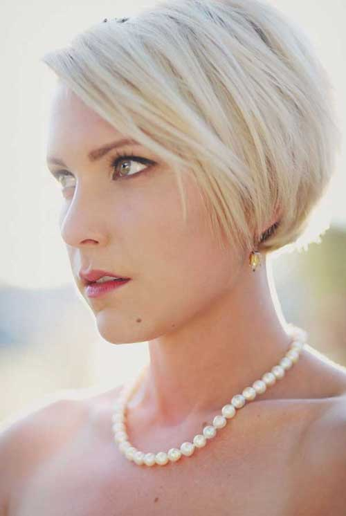 Straight-Bob-Wedding-Hair-2020 15 Elegant Wedding Hairstyles for Bob Haircut