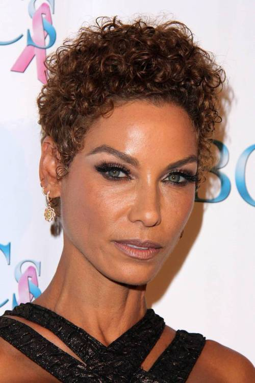 Very-Short-Playful-Ringlets-From-Nicole-Murphy 12 Trendiest Short Brown Hairstyles and Haircuts