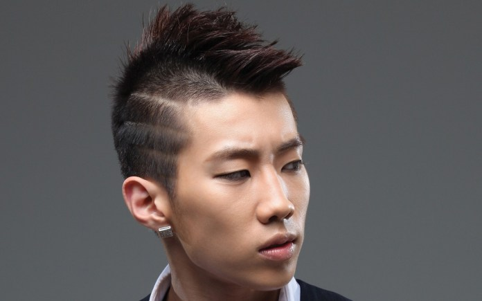 Waves-with-Straight-Hair Dashing Korean Hairstyles for Men
