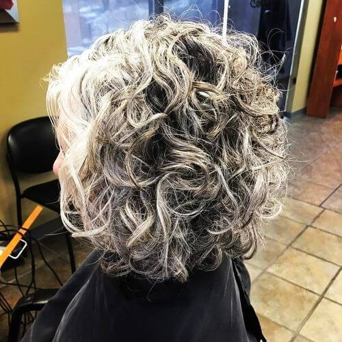 naturally-curly-hair 14 flattering and eye-catching hairstyles for short curly hair