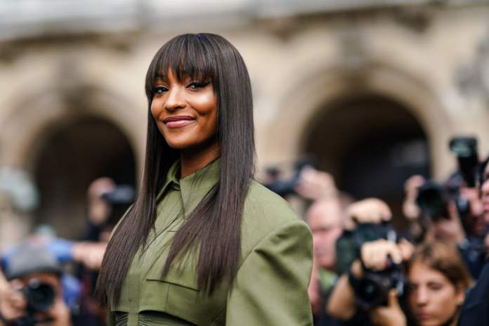 Accessorizing-with-Bangs Hair Trends 2020 – 30 Hairstyles to Glam Up Your Look