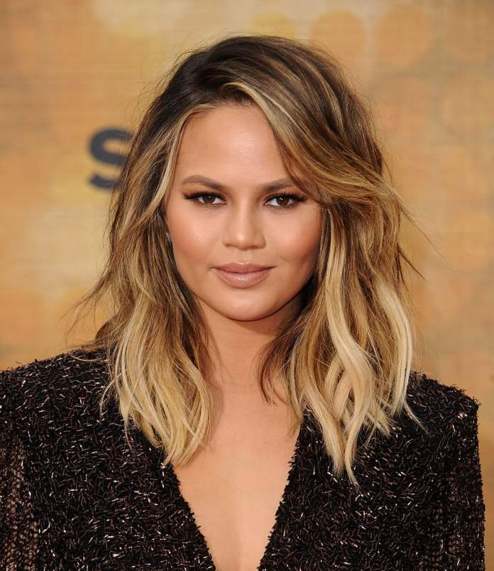 Blonde-Glam-Look 25 Stupendous Hairstyles for Round Faces
