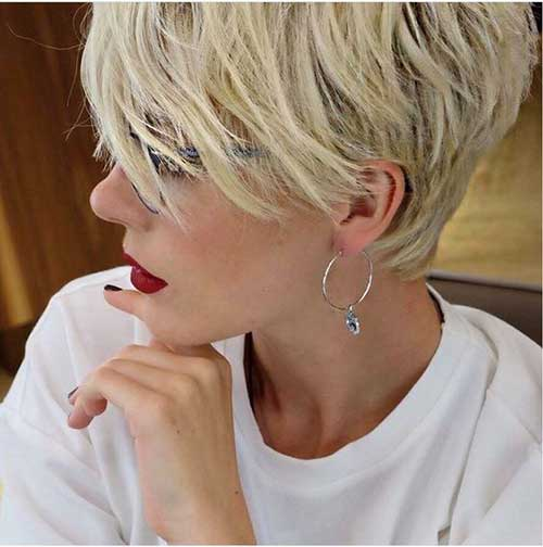 Layered-Pixie-Hair-Cut 20 Layered Short Haircuts for Women
