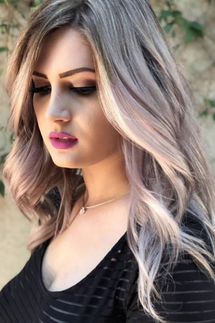 Light-Golden-Highlights 21 Hair Color Trends 2020 to Glam Up Your Tresses
