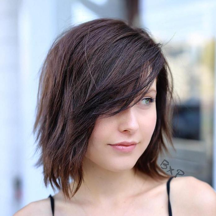 Long-Side-Swept-Bangs 15 Hairstyles with Bangs for an Ultimate Gorgeous Look
