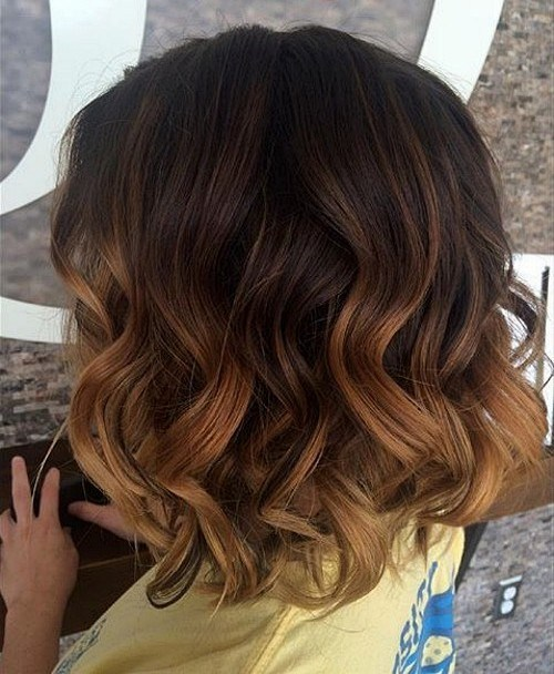 Medium-Beachy-Waves-with-Ombre-Highlights 14 Trendy Balayage Short Hairstyles