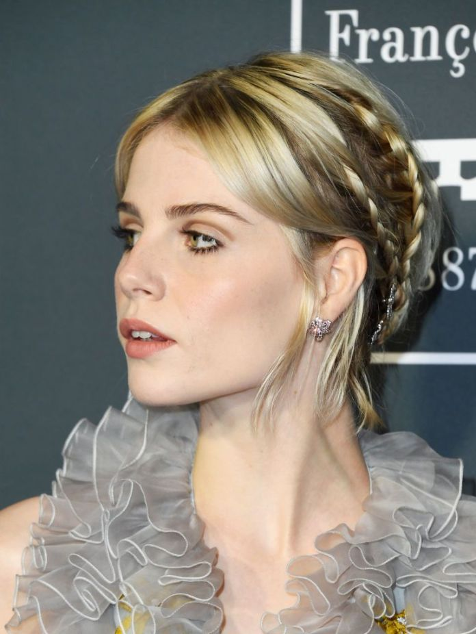 Pale-Ash-Blonde-Crown 20 Blonde Hairstyles 2020 to Flaunt this Year