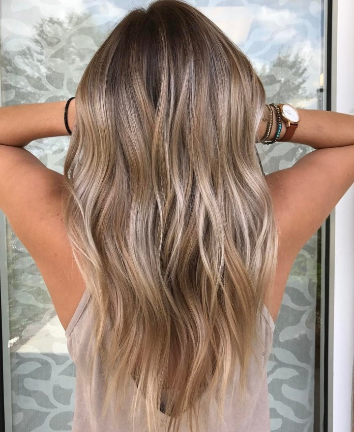 Pearl-Blonde-with-Waves 20 Blonde Hairstyles 2020 to Flaunt this Year