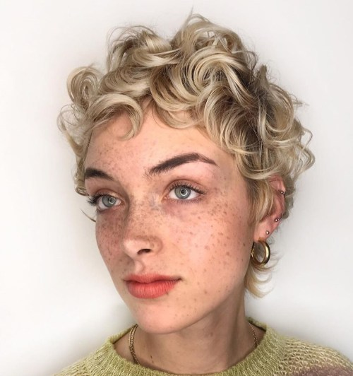 Short-Curly-Hair. 15 Fabulous Hairstyles for Fine Hair