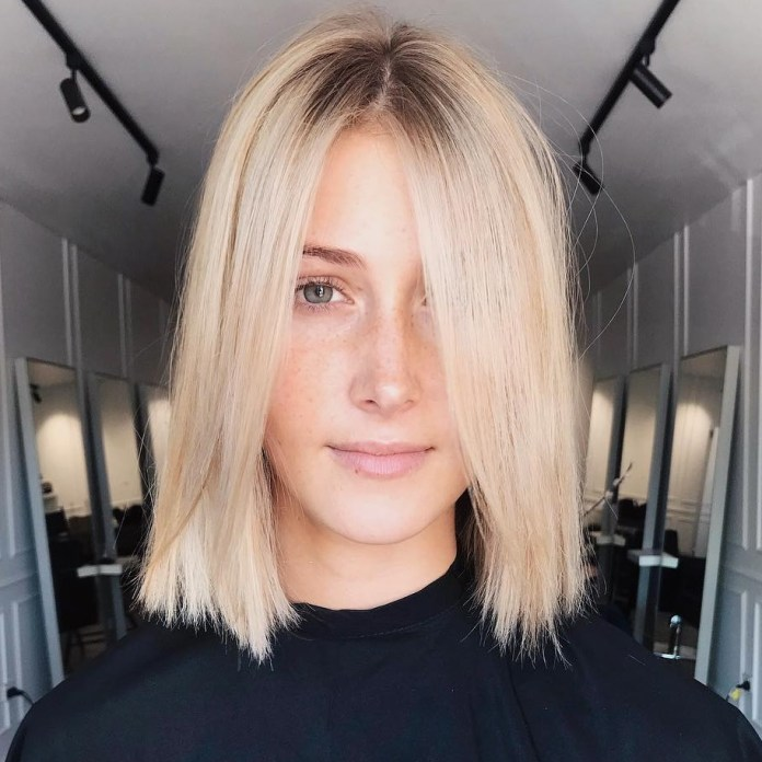blonde-lob-with-dark-roots 12 Chic Hairstyles For Women With Long Faces