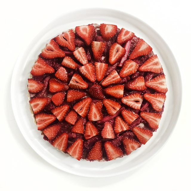 raw gluten free vegan strawberry and rhubarb tart