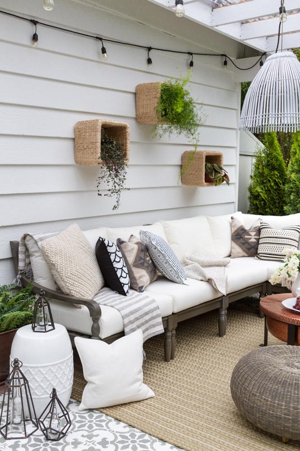 18 Gorgeous DIY Outdoor Decor Ideas For Patios, Porches ... on Diy Small Patio Ideas id=57158