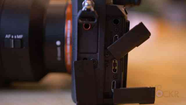 Sony A7III Ports