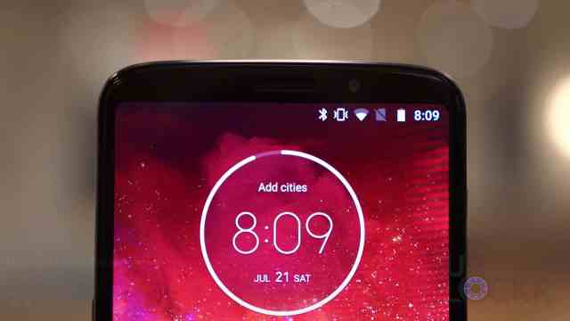 Top of Moto Z3 Play
