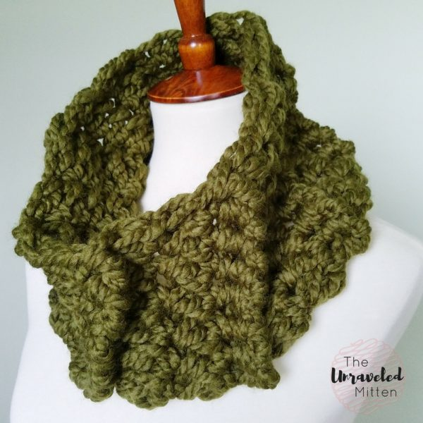 Wildwood Chunky Cowl | Crochet Pattern | the Unraveled Mitten | Last Minute Christmas Gifts