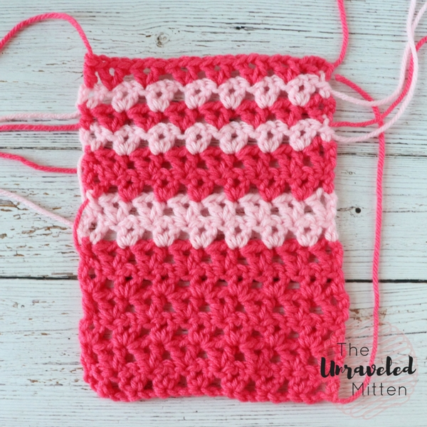 Offset V Stitch in Stripes | Free Crochet Stitch Tutorial | The Unraveled Mitten