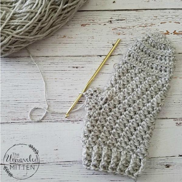 Moon Dance Mittens Free Crochet Pattern | The Unraveled Mitten