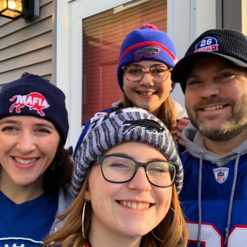 Del's family inspired him to use the Bills Mafia to give back to Buffalo families.