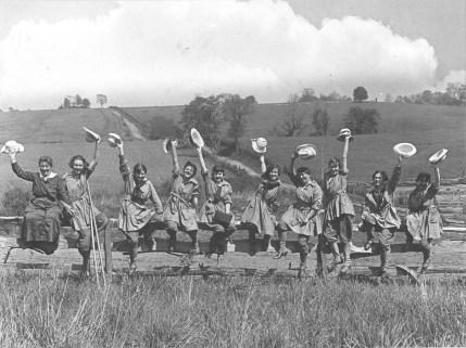 Women's Land Army. 165-WW-581-A1