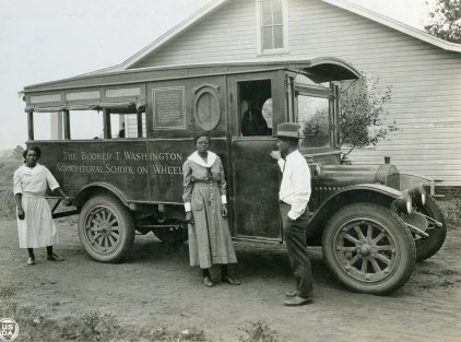 """Madison County, Alabama. African-American agents and rural nurse with movable school. [The Booker T. Washington Agricultural School on Wheels.]"" 1923.(16-G-280-S-2544C)"
