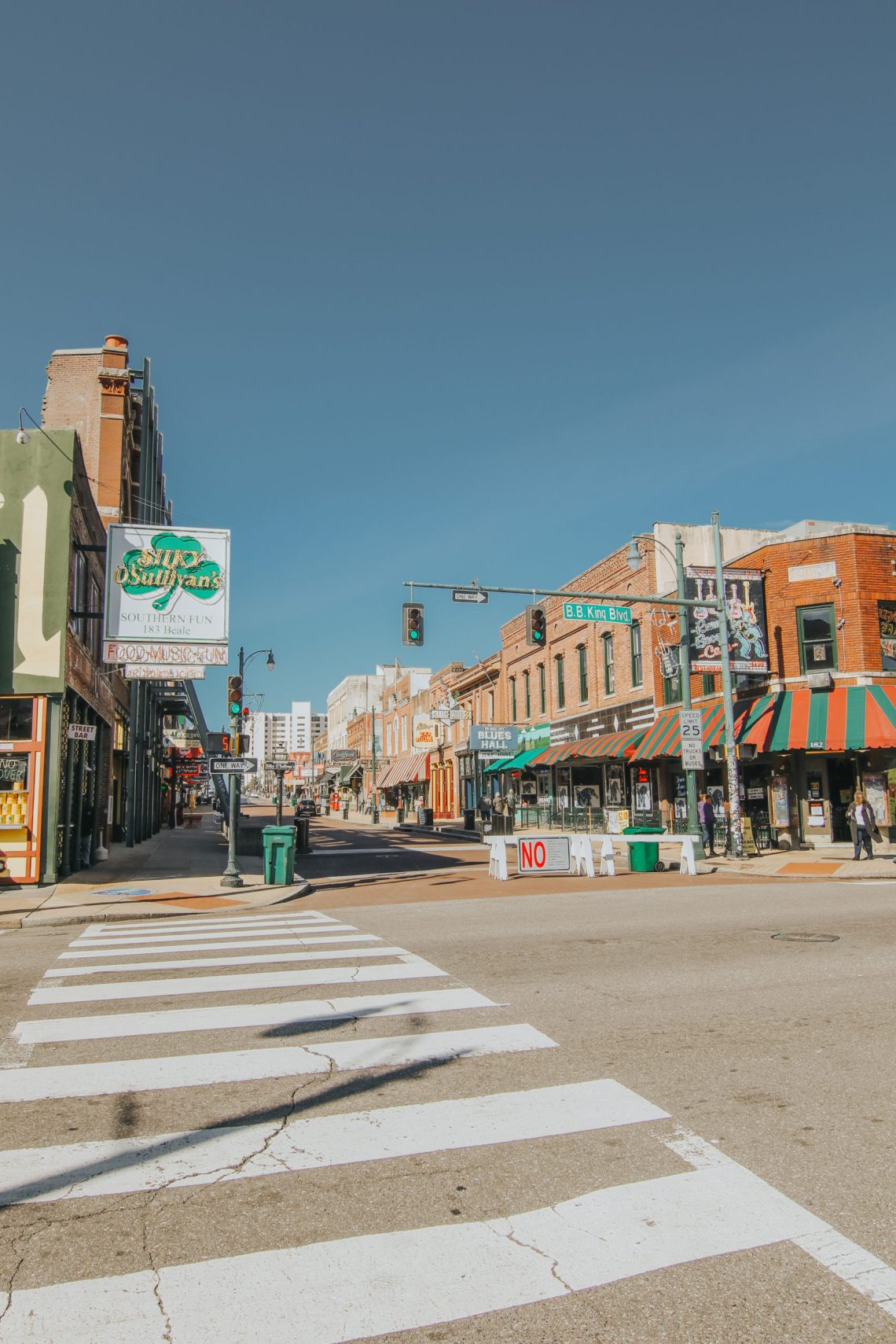 Beale Street, Blues, Memphis, Tennessee, Memphis Travel Guide, travel guide, The Best Instagram Spots in Memphis, travel, The Urban Darling, fashion, boho fashion, bohemian.