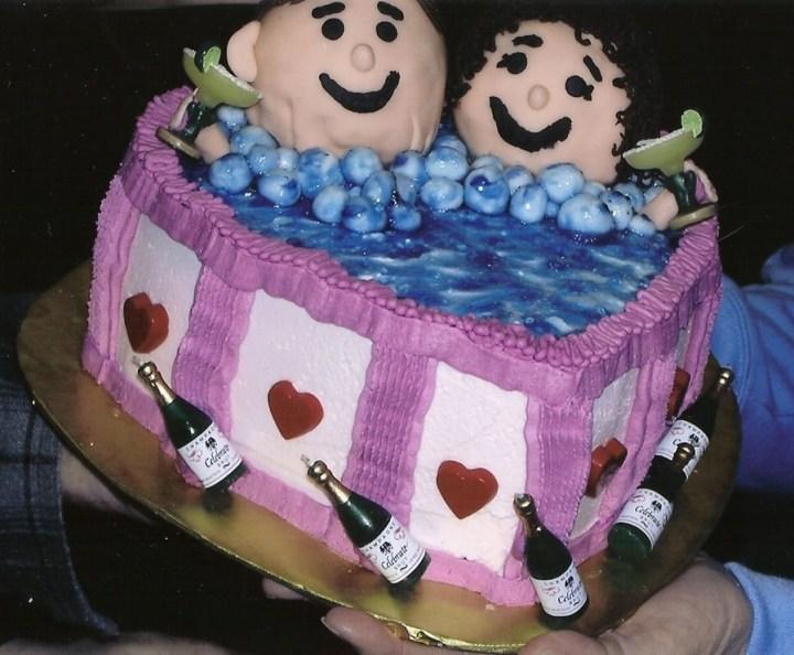 900x900px-LL-e4d3cc4c_modulescopperminealbumsuserpics96963Hot_Tub_Anniversary_Cake
