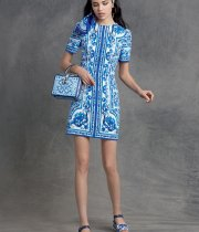 dolce-and-gabbana-winter-2016-woman-collection-05-zoom