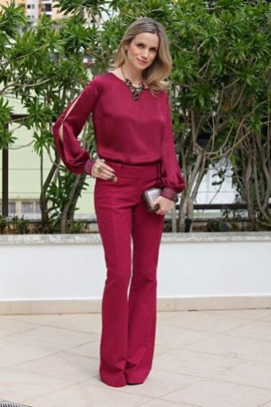 burgundy monochromatic look