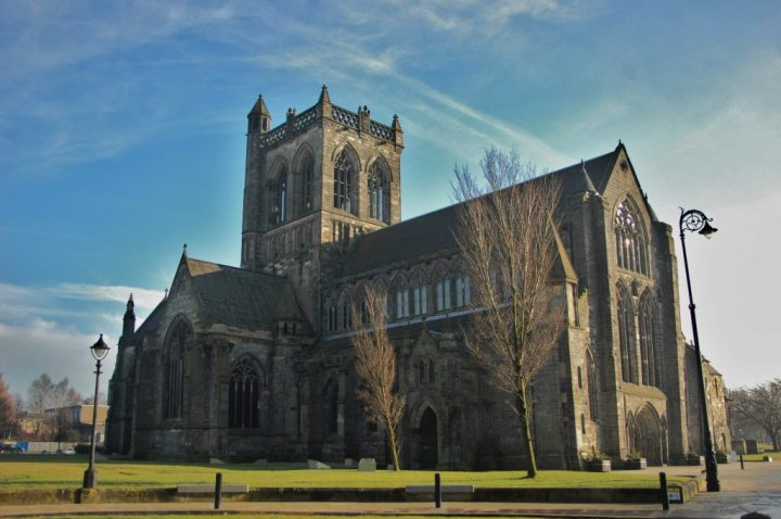 Paisley Abbey, September 2009 © Stephen Clancy 2011