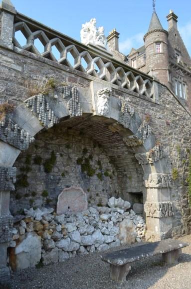 Drummond Castle, Versailles, Outlander, Season 2