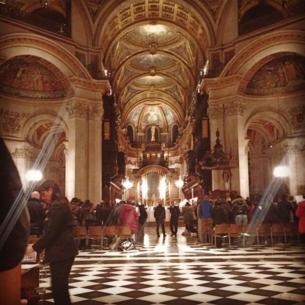 London-st-pauls-cathedral-1-urban-traveler