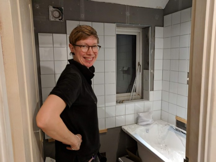 ME DIYing my bathroom as part of my At home with the urban wanderer post