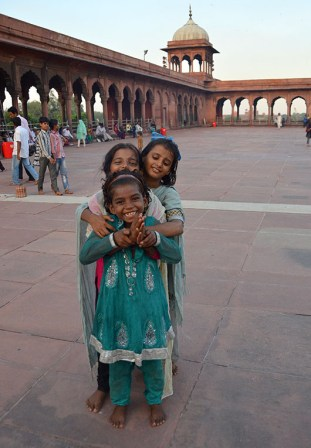 Bollywood aspirants in the Jama Masjid!