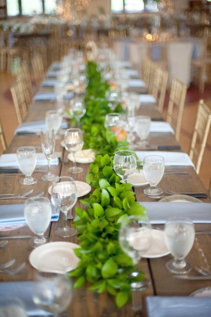 center table simple green leaves ideas
