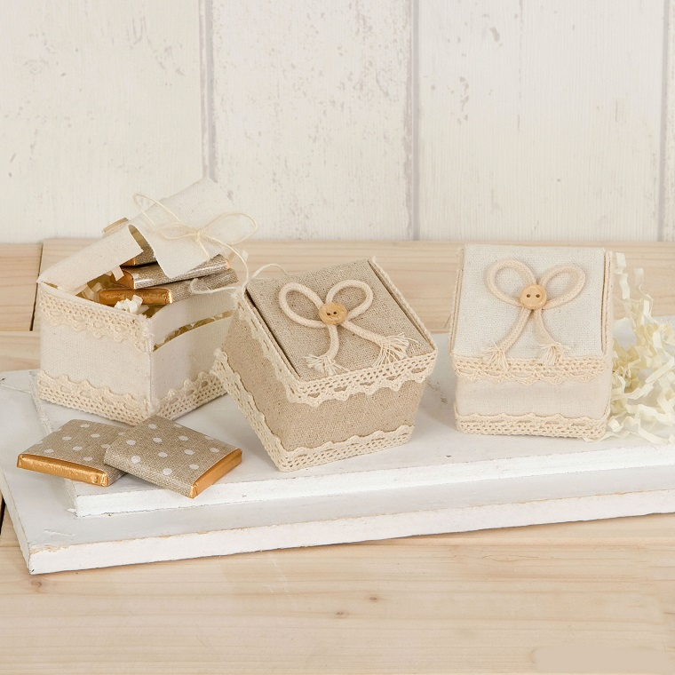details of wedding-guests-sweets-boxes