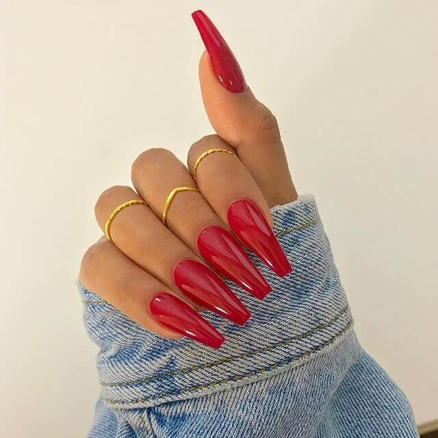 Creative Red Acrylic Nail Designs to Inspire You5