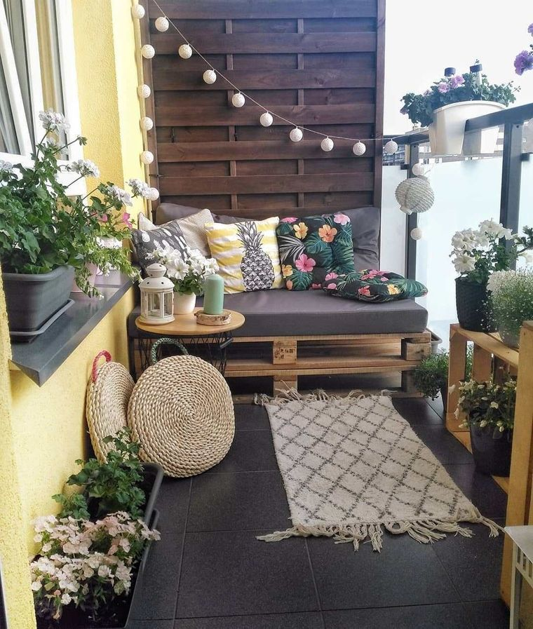decorate balcony small wooden wall