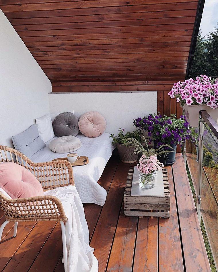 decorate simple small balcony