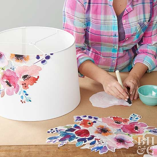 Decorate screens with decoupage