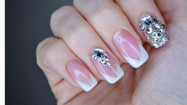 subtle manicure types