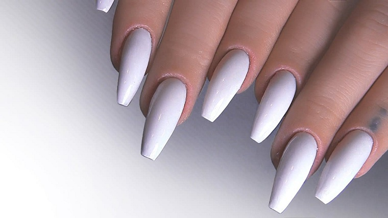 colors-of-nails-2020-white