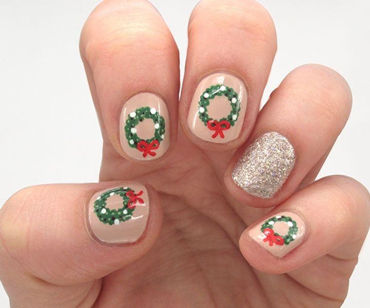 Christmas Crown Nail Designs