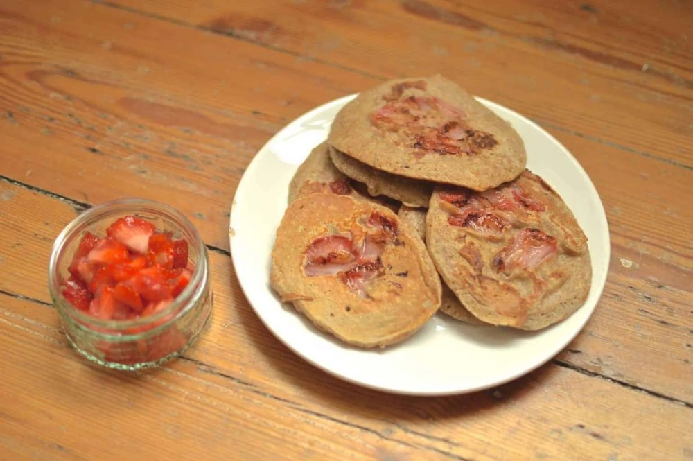 Wholemeal Strawberry Pancakes
