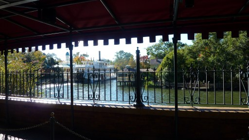 """Riverboat, seen from Haunted Mansion, Magic Kingdom, Walt Disney World, Orlando, Florida, USA.JPG"" by gruntzooki is licensed under CC BY-SA"