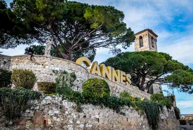 Musee de la Castre Cannes Sign | Where to Propose in Cannes | The Vacation Builder
