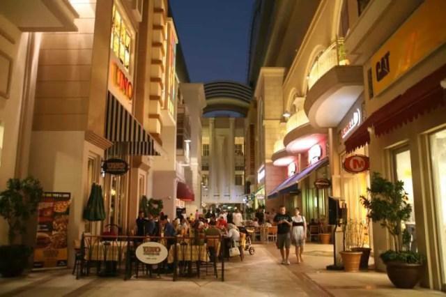 Eateries at Dubai Mall