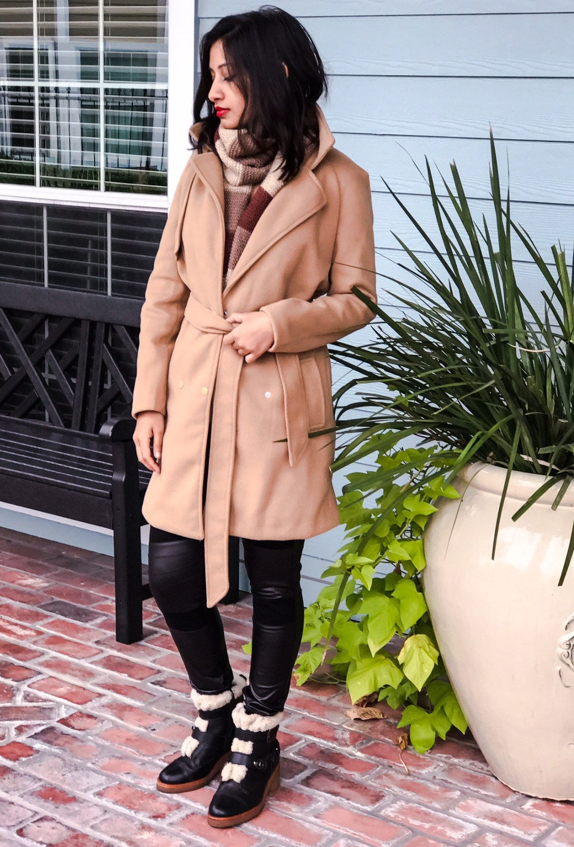 romwe-camel-coat-the-vagabond-wayfarer