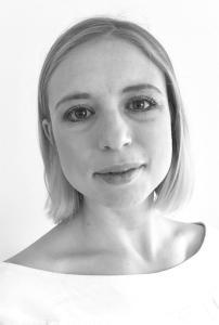 Author Hannah Lynn