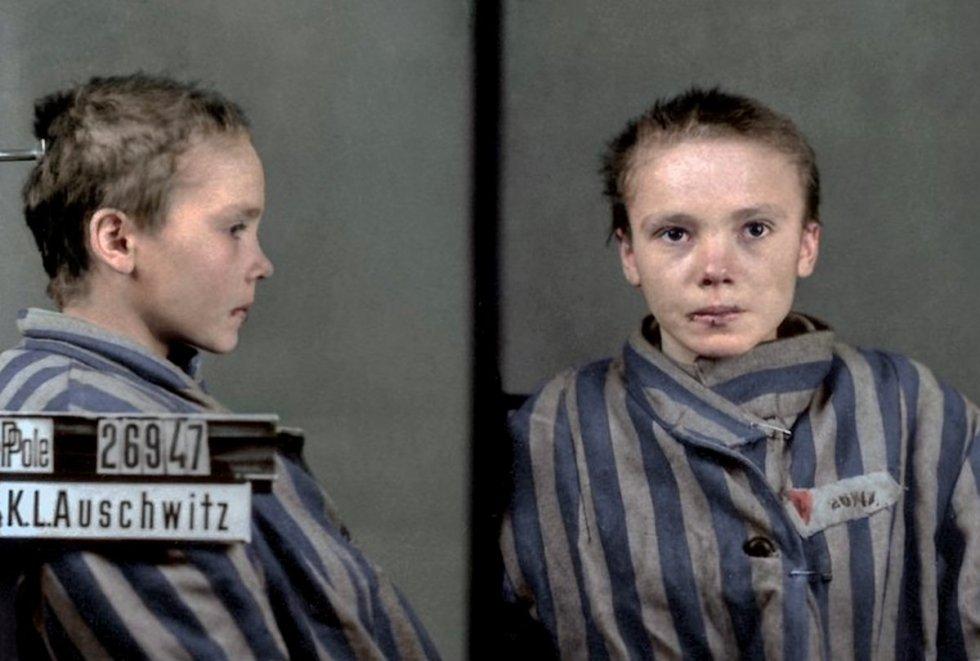 Photo of Auschwitz inmate girl Czesława Kwoka