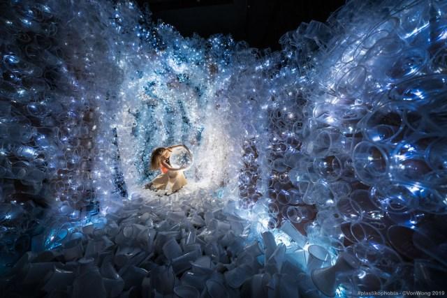 Plastikophobia art installation created by Benjamin Von Wong.